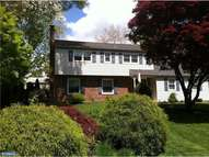 208 Beaumont Dr Wallingford PA, 19086