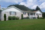 395 Old Crow Road Beaver WV, 25813