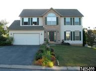 822 Willow Ridge Dr York PA, 17404