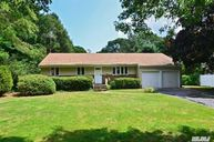 4 Eastover Dr East Northport NY, 11731
