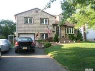 3999 Demont Rd Seaford NY, 11783