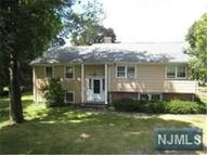 2 Evergreen Pl Roseland NJ, 07068