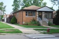 5758 West Leland Avenue Chicago IL, 60630