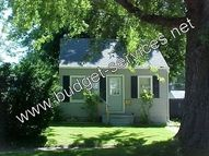 521 Evergreen Waterloo IA, 50701