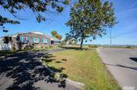 4 Bayside Ave East Quogue NY, 11942