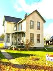 915 East St Grinnell IA, 50112