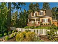 454 9th St Lake Oswego OR, 97034