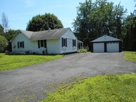 52 Guideboard Rd Waterford NY, 12188