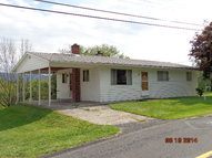 1582 Middle Rd Lewistown PA, 17044