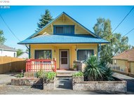 515 Pearl St Oregon City OR, 97045