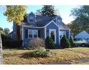8 Willow St Wakefield MA, 01880