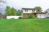 2 Huntleigh Dr Albany NY, 12211