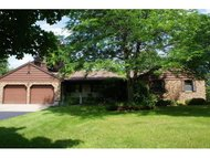 N5640 Fairway Dr New London WI, 54961