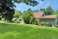 15 High Pine Rd Glen Cove NY, 11542