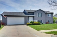 5604 S Aaron Avenue Sioux Falls SD, 57106
