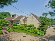 142 Cold Spring Rd Syosset NY, 11791