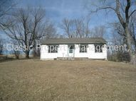 12518 Nw Crooked Rd Parkville MO, 64152
