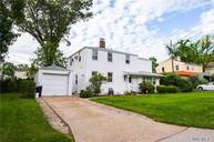 63 Browers Ln Roslyn Heights NY, 11577