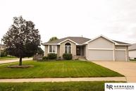 106 S Fall Creek Papillion NE, 68133