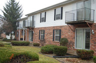 412 Crystal Valley Dr Apt 4 Middlebury IN, 46540