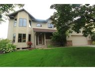 2993 Carey Heights Dr Maplewood MN, 55109