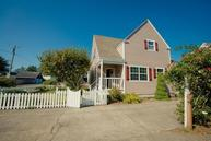 2525 Neawanna St Seaside OR, 97138