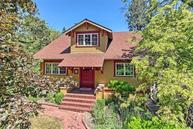 147 Strawberry Ln Ashland OR, 97520