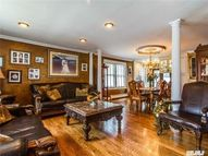 29 Princeton St Williston Park NY, 11596