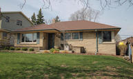 2945 S 93rd St West Allis WI, 53227