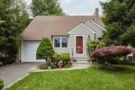 2213 Greenside Pl Scotch Plains NJ, 07076