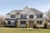 60 Chatham Ct Orchard Park NY, 14127