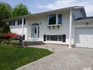28 Foxwood Dr Wheatley Heights NY, 11798