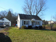 98 Crum Elbow Rd Hyde Park NY, 12538