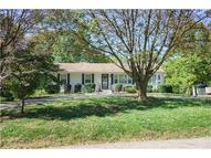 102 N Sinclair Road Independence MO, 64050