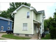 28 28 1/2 West Water St Hubbard OH, 44425