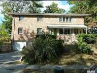 29 Mcloughlin #2 St 2nd Fl Glen Cove NY, 11542