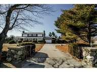 720 Boston Neck Rd Narragansett RI, 02882
