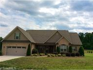 6369 Sugar Cane Lane Thomasville NC, 27360