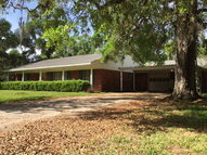 507 Edgewater Dr. Clute TX, 77531