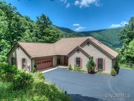 33 Lake Wood Avenue Black Mountain NC, 28711