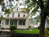 582 Franklin Ave Palmerton PA, 18071