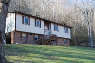 27 Station Branch Prestonsburg KY, 41653