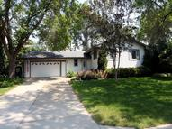 405 Brooks Avenue W Roseville MN, 55113