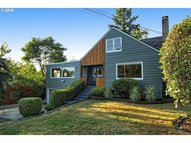 1319 Sw Hume Ct Portland OR, 97219