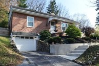 408 Woodland View Rd York PA, 17406