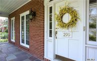 299 Woodland Dr Brightwaters NY, 11718