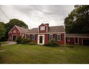 592 Plymouth St Halifax MA, 02338