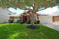822 Norfolk Dr Pearland TX, 77584