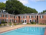 Williamsburg Square Townhomes Apartments Saint Louis MO, 63130