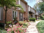 Woodsmill Village Apartments, Townhomes and Villas Ballwin MO, 63011